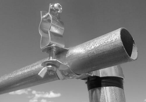Pipe mounting hardware